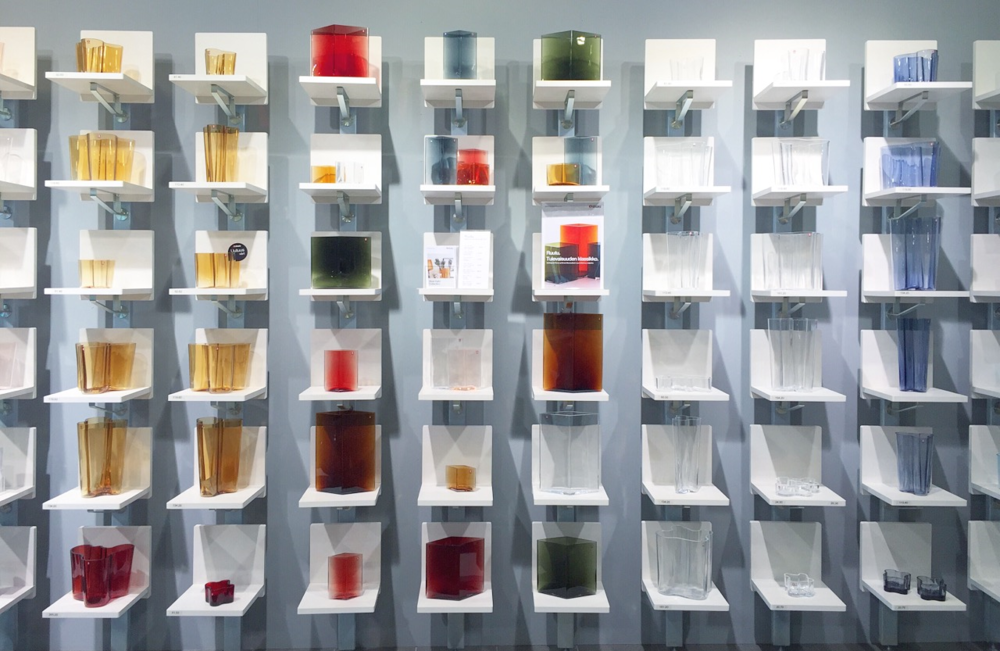 Beatiful display of Aalto vases in an array of shapes and colors / 12 July 2015