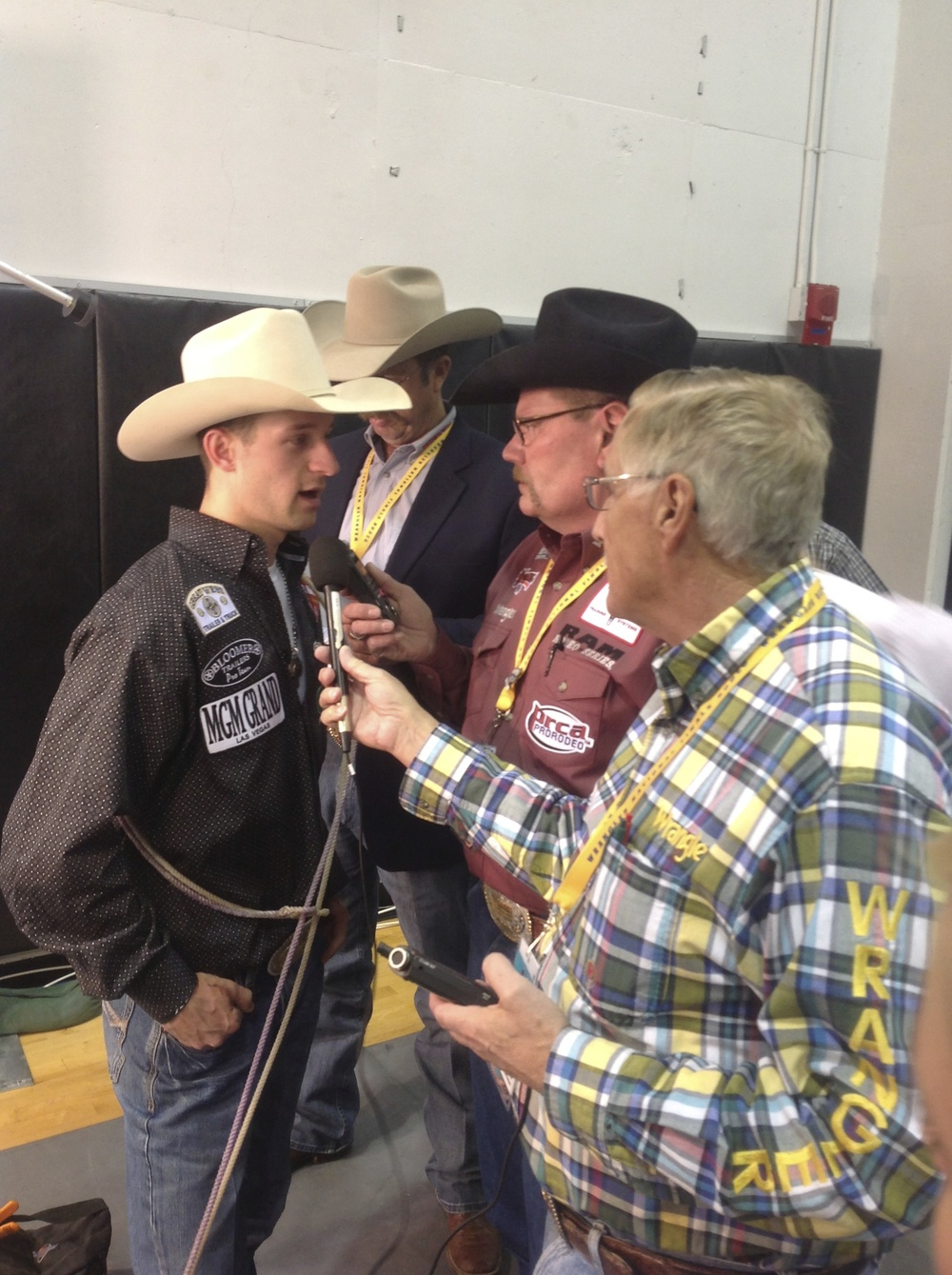 Arnie Jackson catches up World Champion Tie Down Roper, Shane Hanchey