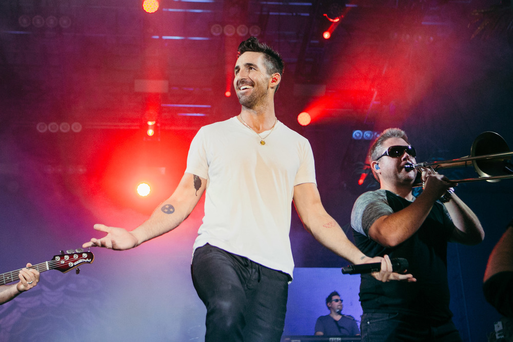 Jake-Owen-Boots-and-Hearts.jpg