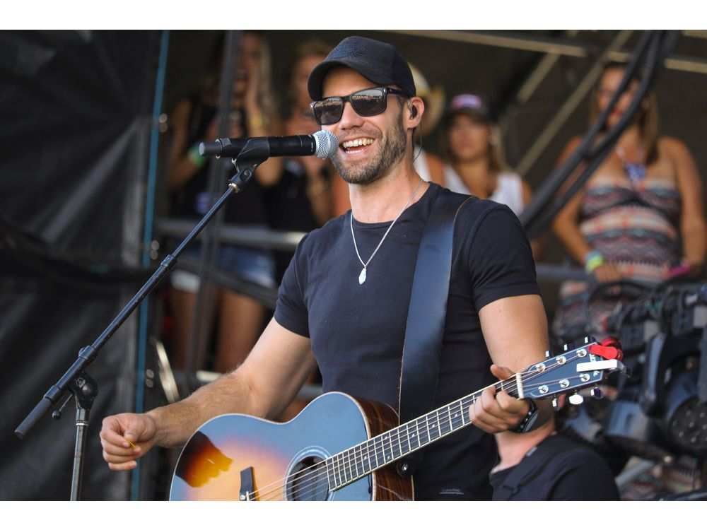 Chad Brownlee performs at day 3 of Country Thunder at Prairie Winds Park in Calgary. MIKE DREW /  MIKE DREW/POSTMEDIA