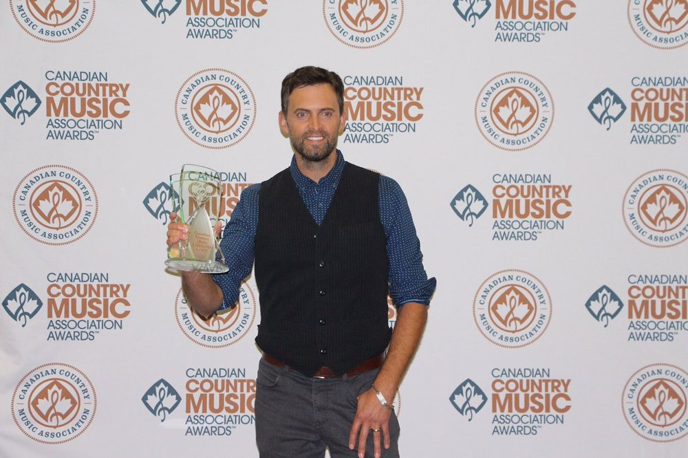 Congratulations @deanbrody @CCMAofficial Top Selling Canadian Single of the year #CCMA40 #BringDownTheHouse