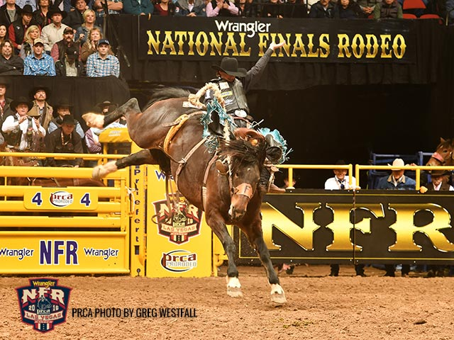 Ryder Wright - 86 pts on Northcott-Macza's Get Smart * PRCA photo by Dan Hubbell