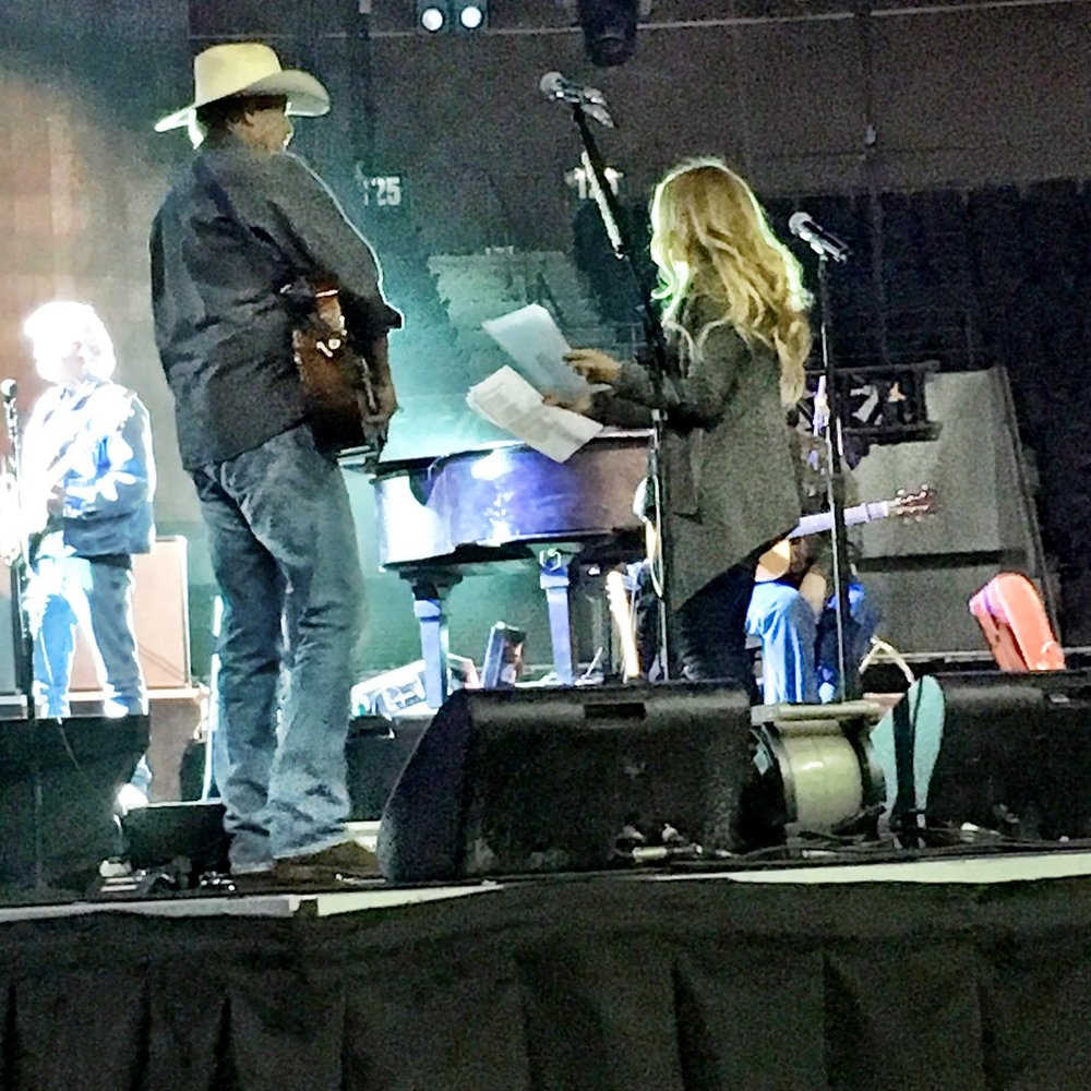 Cooking up some surprises with Alan Jackson at our first Honky Tonk Highway show of the year tonight! @OfficialJackson