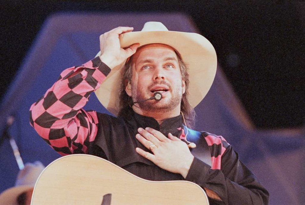 Garth Brooks performs at the Houston Livestock Show and Rodeo in the Astrodome, Feb. 22, 1993.  Photo: Ben DeSoto, Houston Chronicle