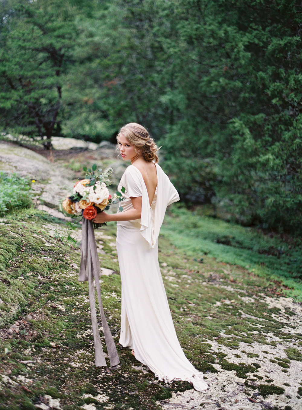Autumn Wedding Inspiration at the Mill at Fine Creek by Richmond Virginia Wedding Planner East Made Event Company and Michael and Carina Photography04.jpg