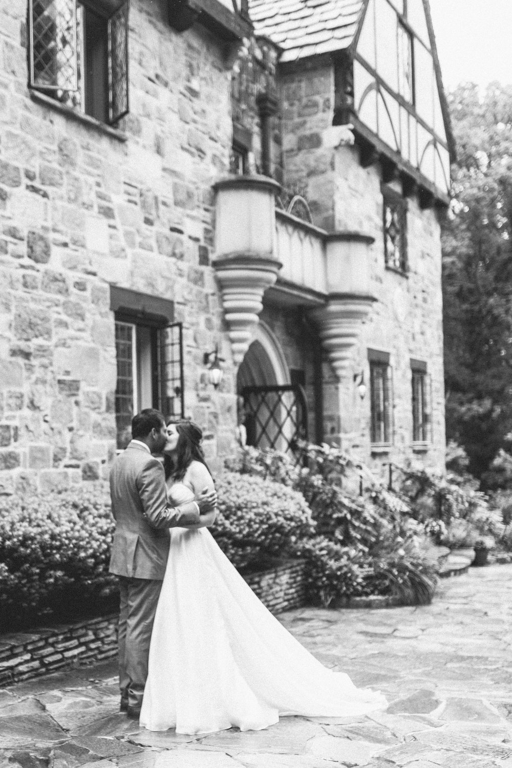 Cloisters Wedding by Nicki Metcalf Photography and East Made Event Company-0067.jpg