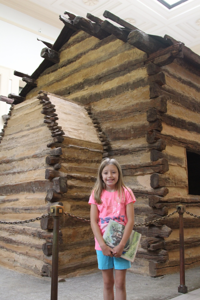 A real life log cabin! Do you know that mud just fills the holes? Even if it was all taken out, the logs would stand.