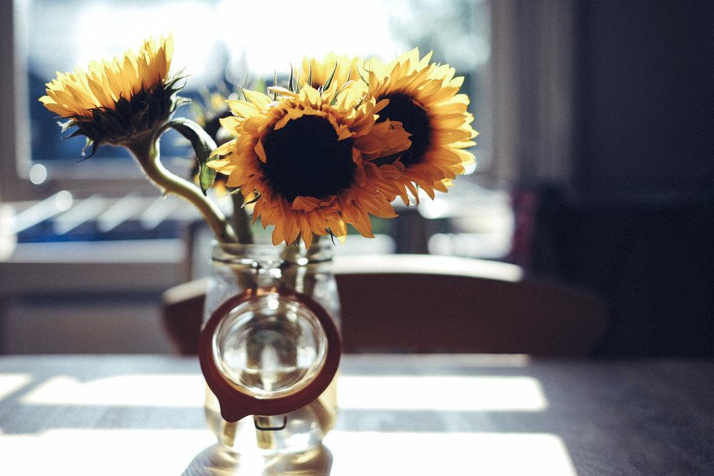 kitchen-table-sunflowers.jpg
