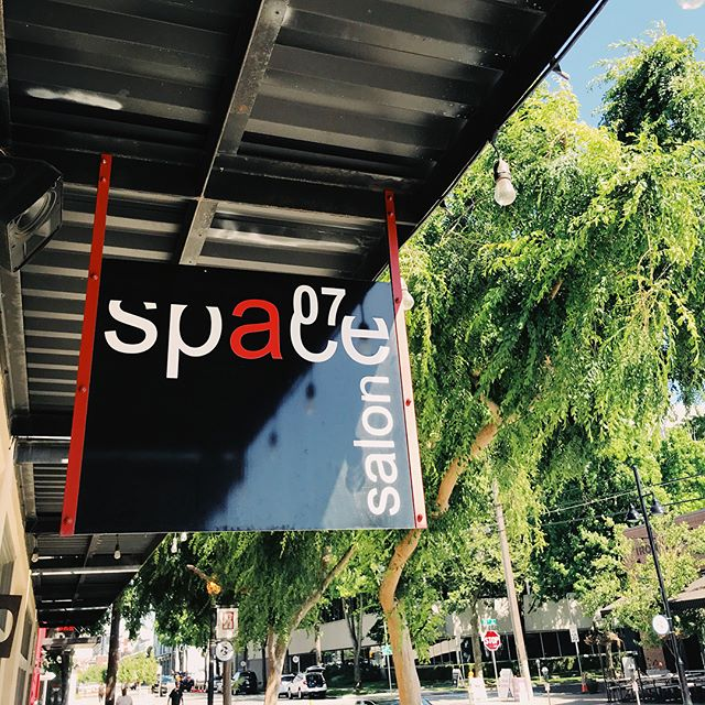 What are your plans today? Come join us and the #rstreetcorridor at the R Street Get Down 12-8pm 🖤 Stop by Space and get a chance to win salon services 💋 #noplacelikespace