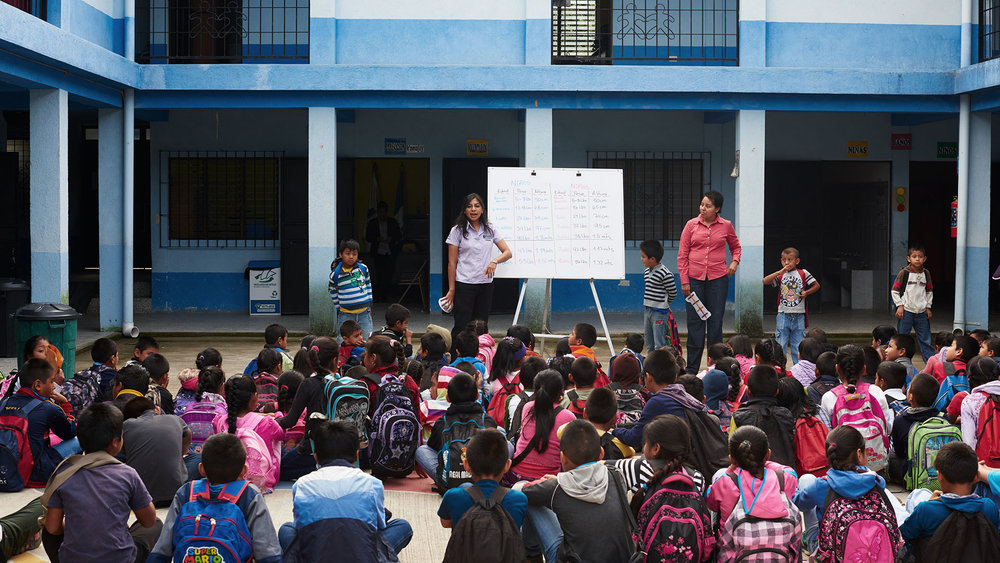 Charity  / The hotel supports the  Ni  ñ  os de Guatemala  foundation