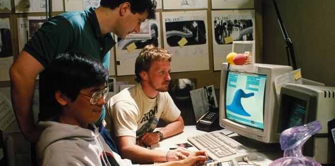 """James Cameron y su equipo en fase de diseño de """"The Abyss"""", transformando uno de sus personajes con la técnica """"Morphing"""""""