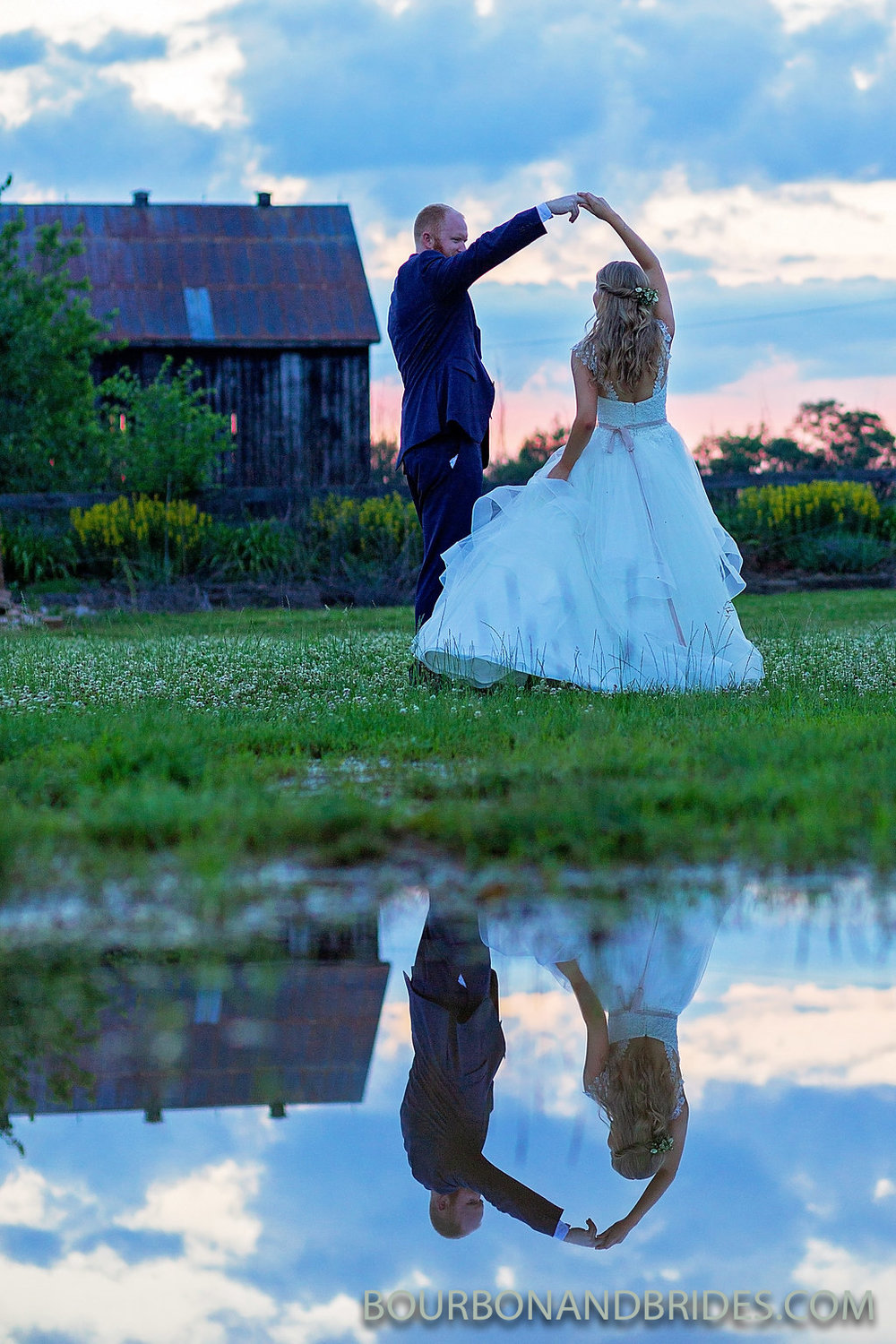 bride-groom-castle-hill-winery.jpg