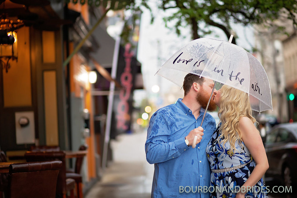 engagement-kate-spade-umbrella.jpg