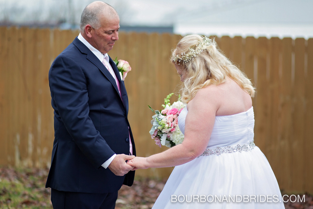 first-look-lexington-barrel-house-wedding.jpg