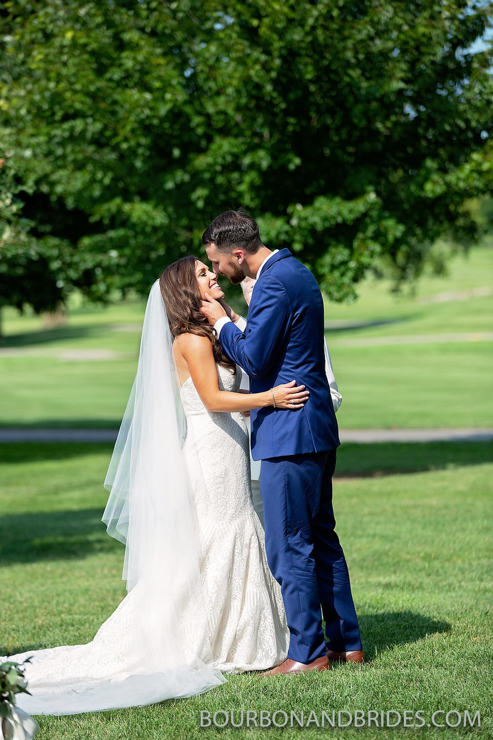 marriott-wedding-ceremony-kiss.jpg