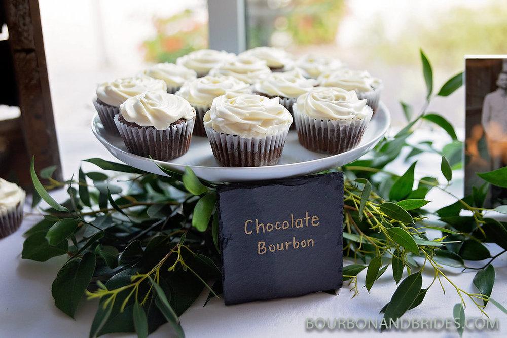 elizabeth-lowry-wedding-cupcakes.jpg