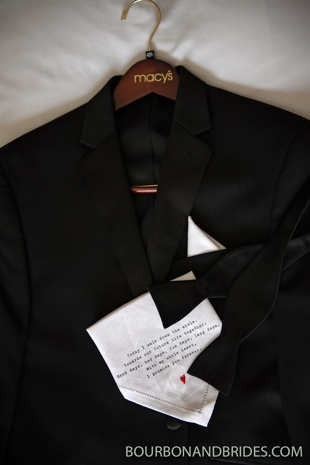 groom-details-kentucky-wedding.jpg