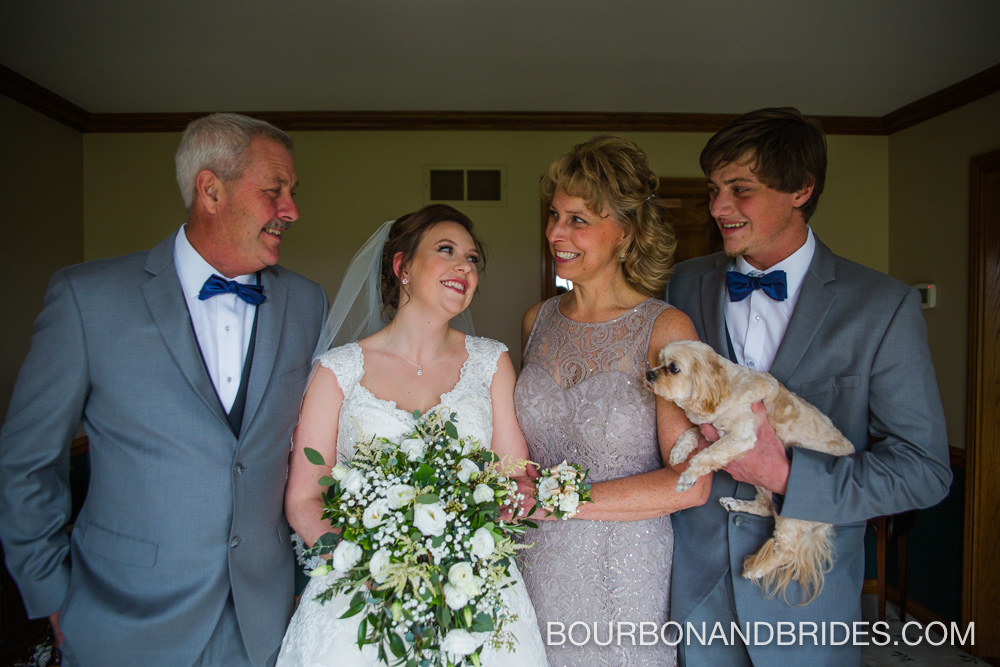 Cincinatti-wedding-bride-family.jpg