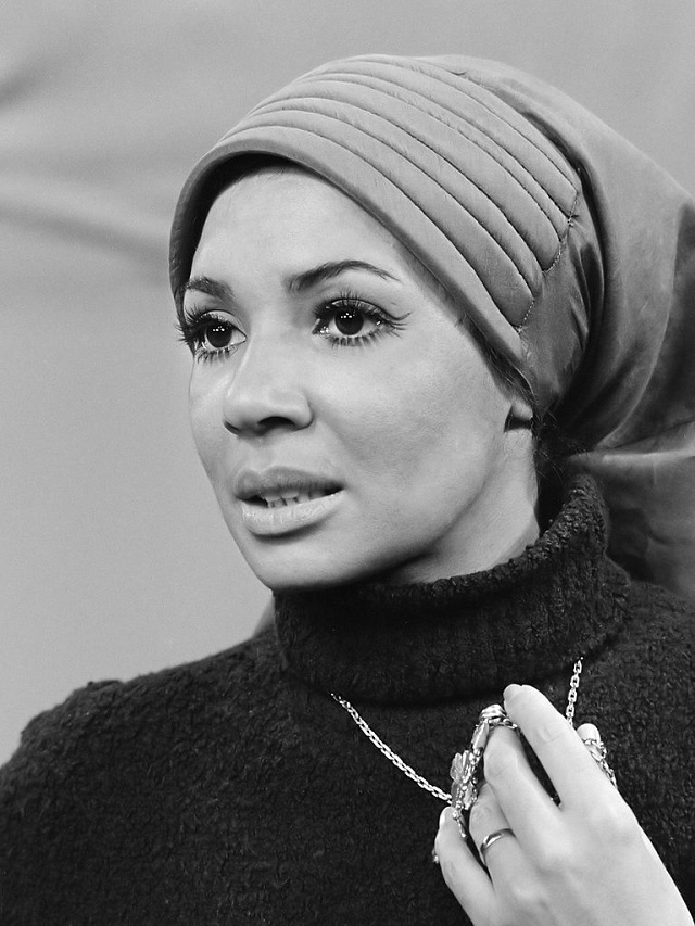 Shirley Bassey. C.C. Image: Rob Mieremet/Anefo on Wikimedia Commons.