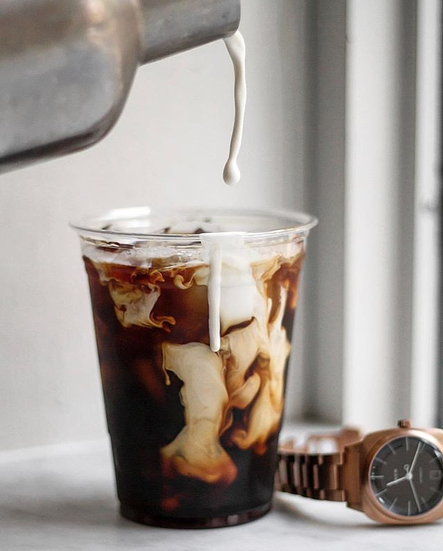 There's nothing better now than all the iced drinks on our menu ✌🏼 And what about this gorgeous timepiece from our friends @brewwatches Check them out!