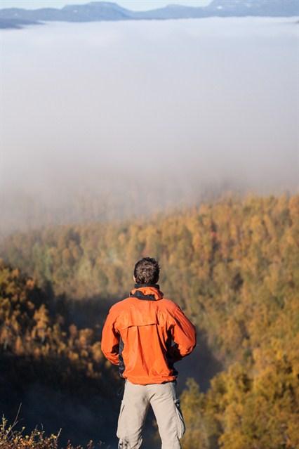 1109_hiking_529_426x639.jpg