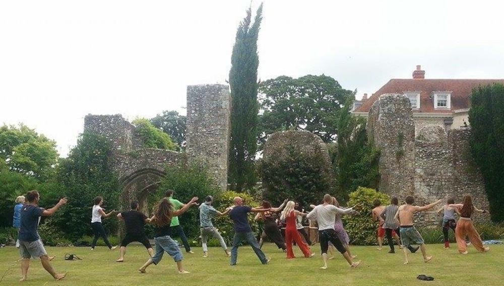 Dancing ruins halnacker