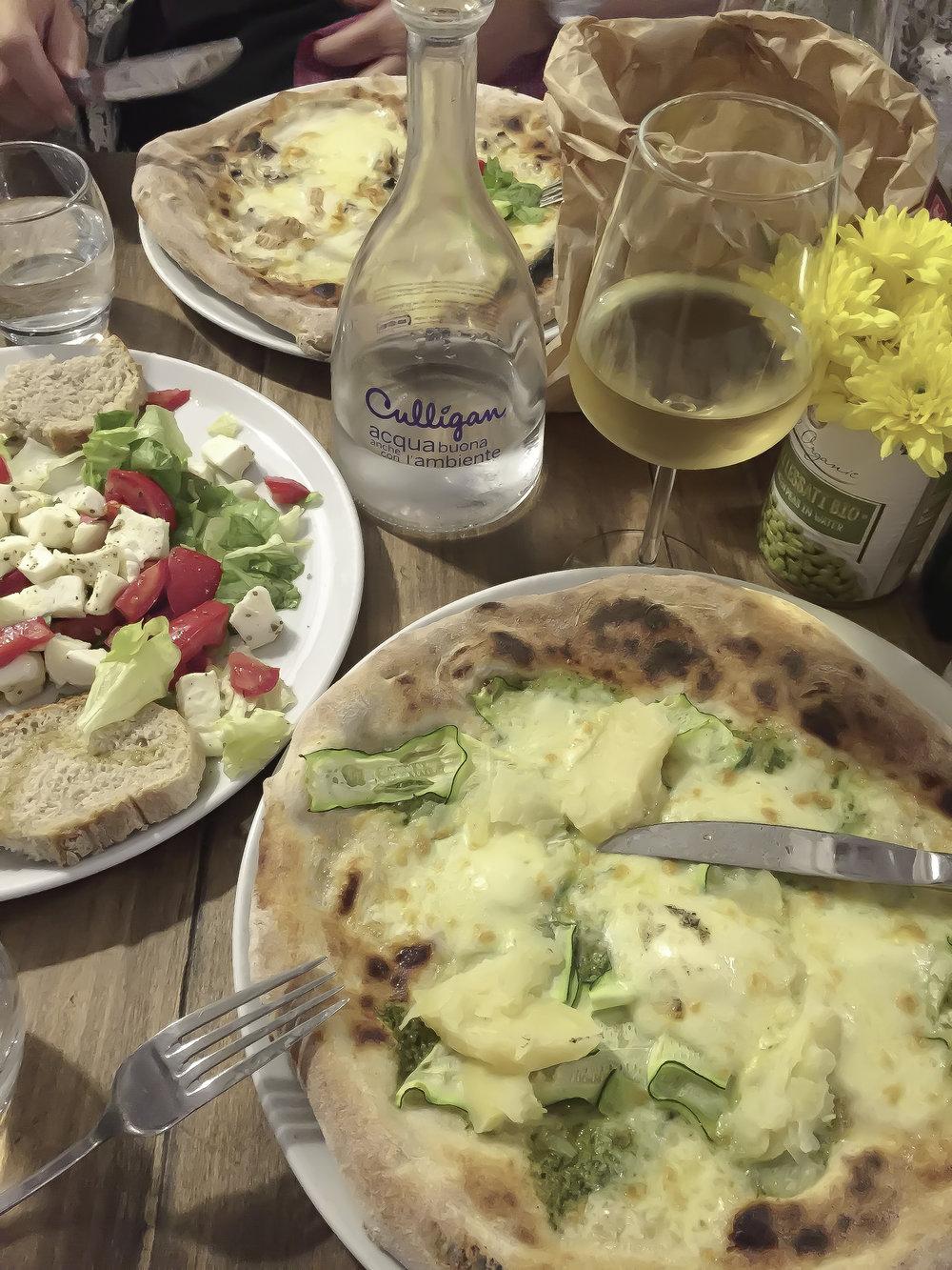 Dinner at Symbiosis Organic Pizza on Via De Ginori