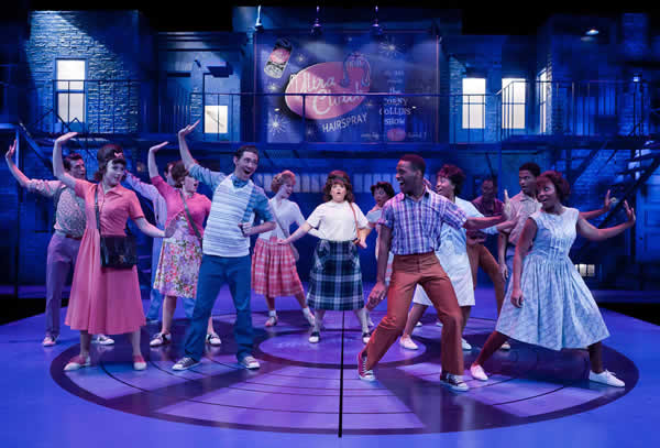 """HAIRSPRAY"" @ THE SIGNATURE THEATRE"