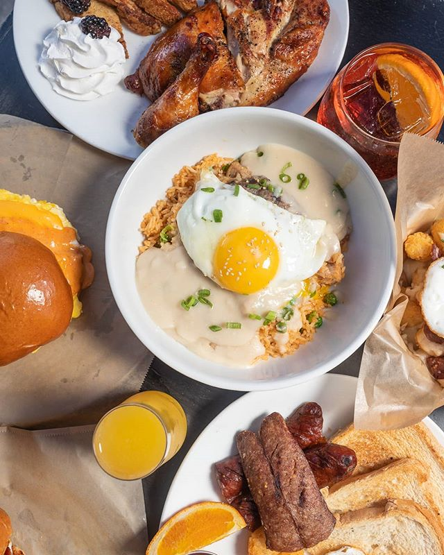 Brunch with friends who are down to order everything! 😜  We serve brunch Saturday starting at 12PM and Sunday (during NFL season) at 10AM.  #brunch #weekendbrunch #losangelesbrunch #laeats #dtla #dtlaeats #dinela #eater  #foodgawker #laeats #zagat #instayum #eattheworld #feastagram #infatuationla #foodgasm #heresmyfood