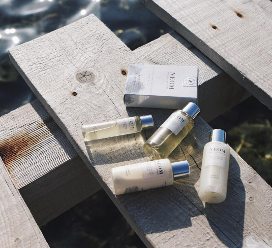 Q: Any must have travel gift sets? - YES!!! This Neom Travel Mini set will set you up for the most luxurious holiday. Their bath soak completely soothed my sunburnt skin and the face, hair and body oil made me feel like I was at the spa every day.