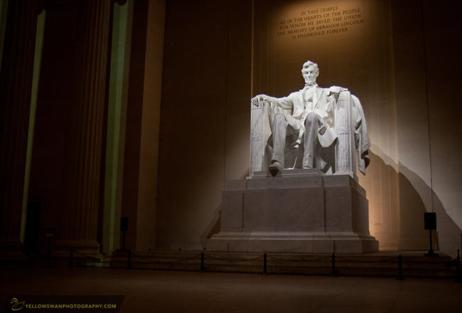 Lincoln-Memorial-night-threequarter.jpg