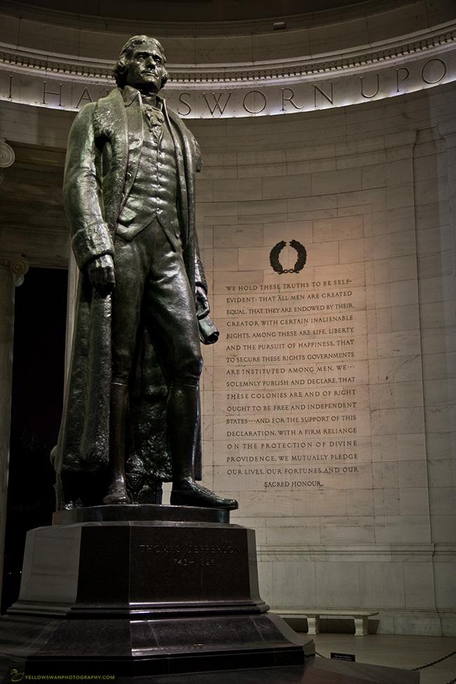 Jefferson-statue-and-Declaration.jpg