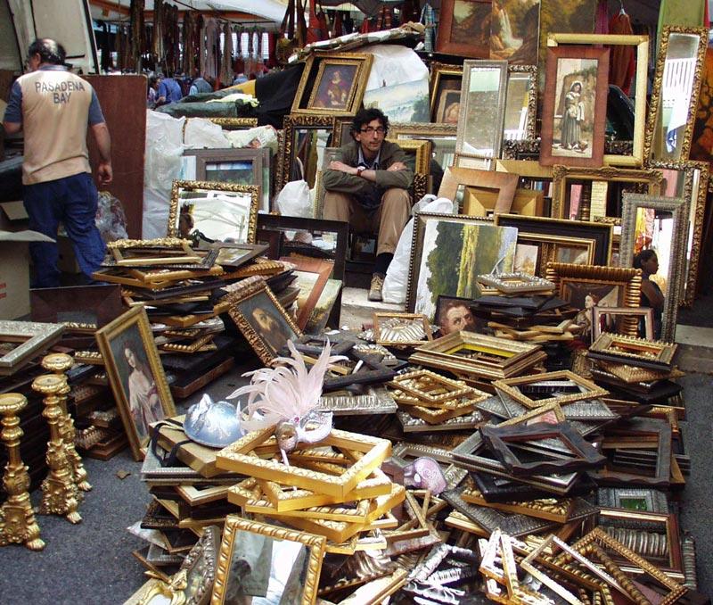 The flea market of rome porta portese hotel san for Affitto roma porta di roma