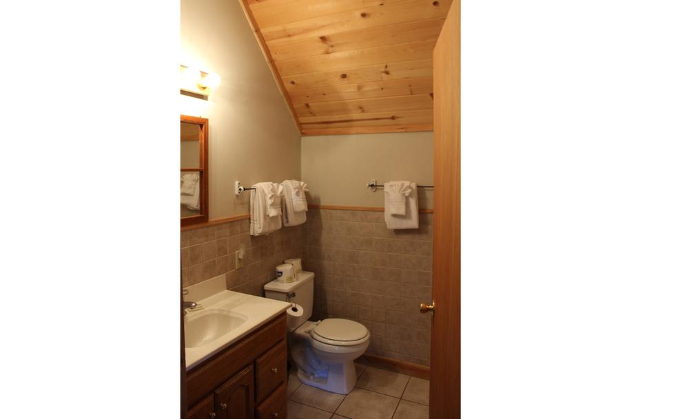 Second level suite bath