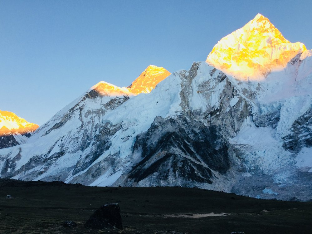 everest sun set