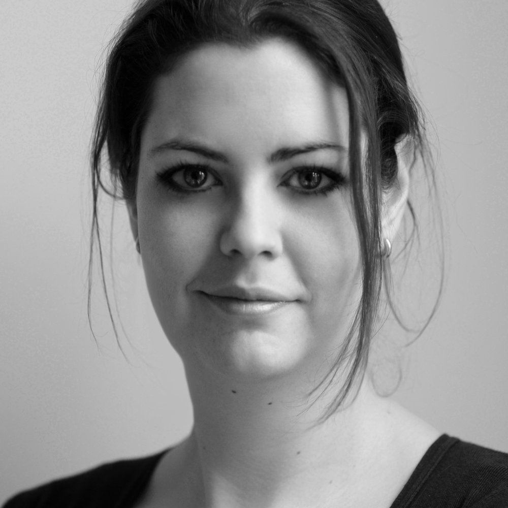 ANNA VAN SCHELVEN is als interaction (UX) en grafisch ontwerper de spil in het web. Anna heeft ruime ervaring in het visualiseren van ideeën naar concrete producten, zoals klikmodellen of kant en klare websites. T: Anna 06 4506 4575 Medianique.nl /Linked-in