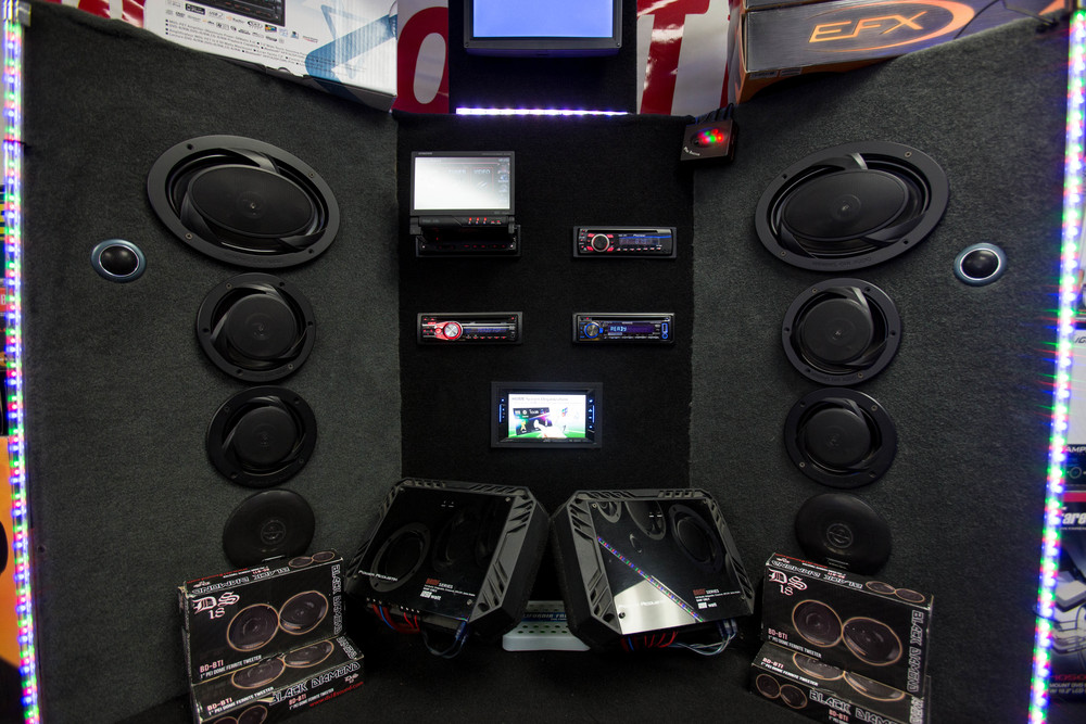 Get car stereos in San Diego