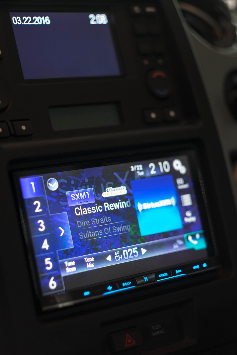 Custom Car Stereo and Car Video Players