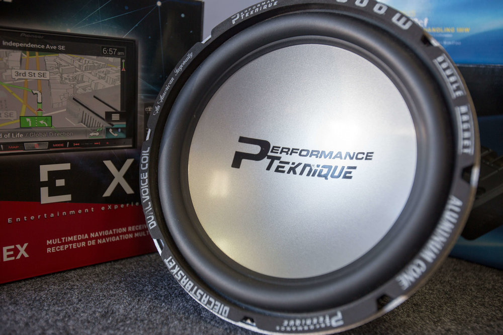 Performance Teknique Speakers