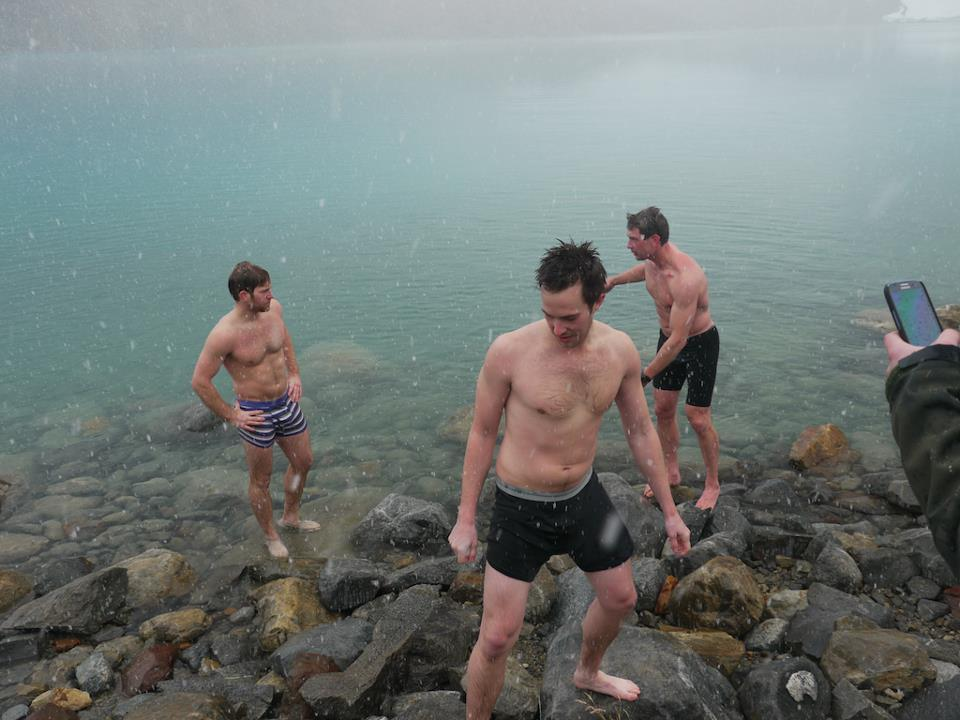 The Roadmonkey crew decided to join the Polar Bear Club in Lago de los Tres, after a three hour hike from the nearest town.