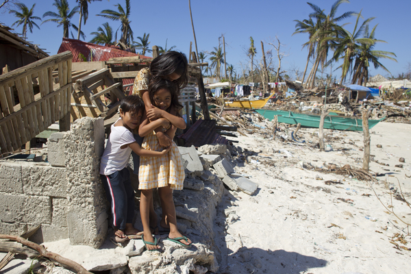 water for waves relief philippines_typhoon_haiyan15.jpg