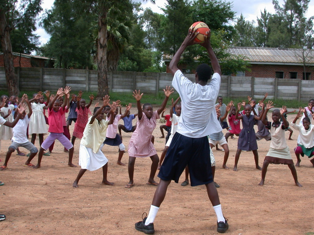 H4H coaches deliver the skills needed to succeed on and off the court, helping kids make it in the big leagues of life! Dzivarasekwa. Harare, Zimbabwe