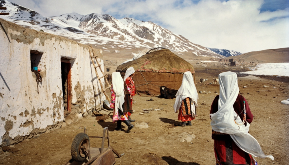 Kyrgyz women gather in their winter settlement. Chalab, Lake Chaqmaqtin.