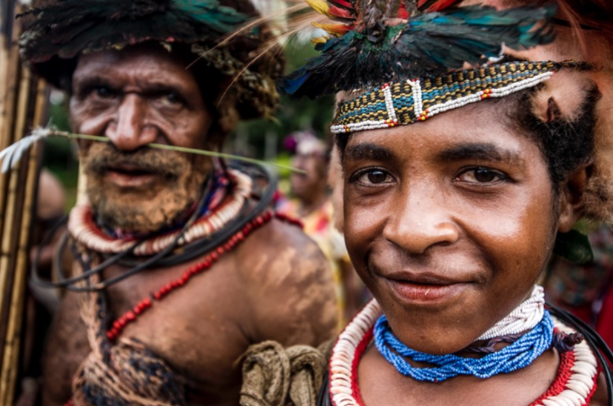Unknown to Europeans until 1935, the Huli are an indigenous people from the Southern Highlands. One of the largest cultural groups in Papua New Guinea, they number approximately 90,000.