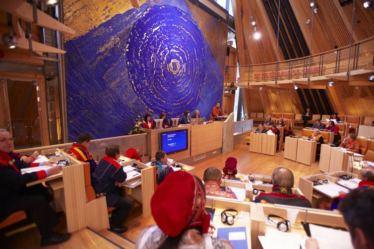 Art work 'Spor' by Hilde Skancke Pedersen inside the Sámi parliament. 'Sámediggi' Denis Caviglia /Sámediggi Sametinget/flickr, CC BY