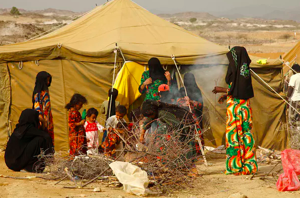 Yemeni women and children at a camp in north Yemen.  IRIN Photos/Flickr.com ,  CC BY-NC-ND
