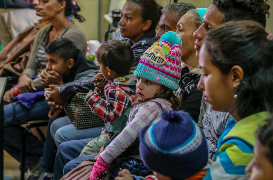 Venezuelan migrants wait at the Columbian boarder to join the millions who have already fled the country. UNICEF Ecuador. CC2.0