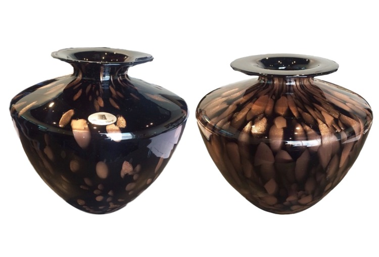 Sold Set Of 2 New Maestri Vetrai Murano Vases James Mcinroe Inc