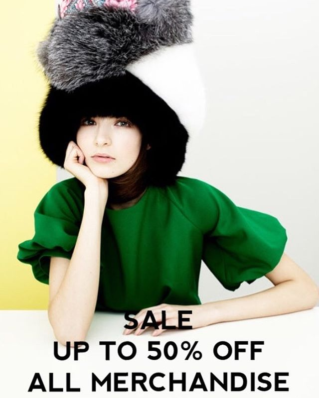 UP TO 50% OFF HATS, MITTENS AND SCARVES . . . #shopnow #sale #endofseasonsale #onlineshopping #instafashion #fashiondesigner #fashionblogger #fashion #accessories #february