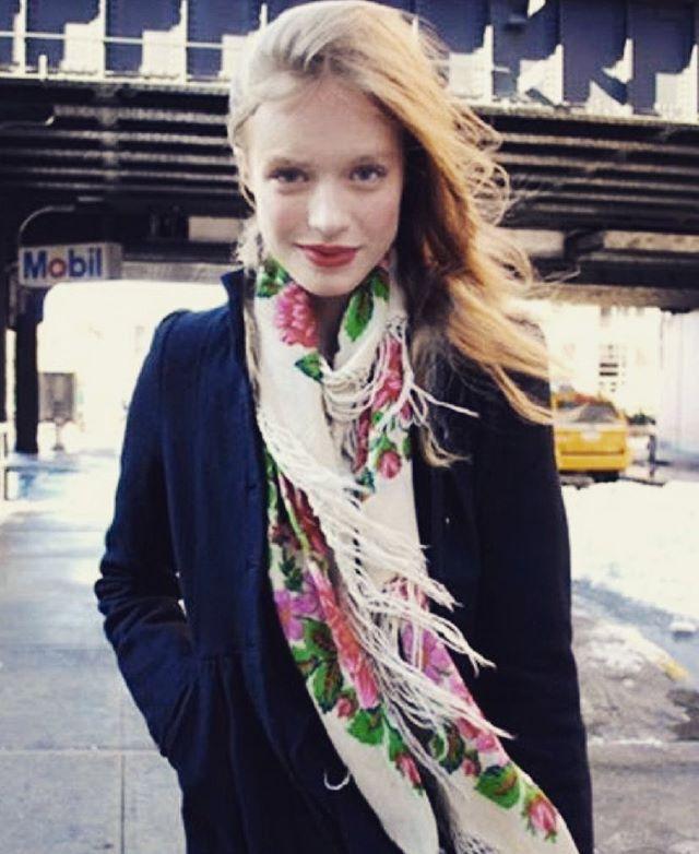Spring is just around the corner, are you ready? . . . #nyc #streetstyle #instagood #fashionblogger #fashiondesigner #instafashion #accessories #scarf #shopnow #shoppingonline #shopping #sale #sashasasha